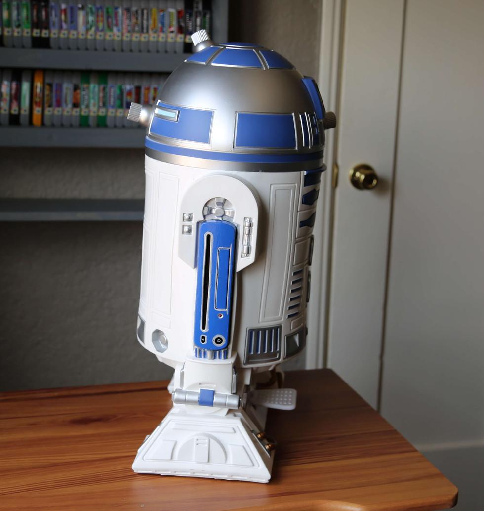 Wii-U-R2-D2-Star-Wars-2.JPG