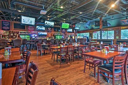 coconutz bar and restaurant at hilton head beach and tennis resort