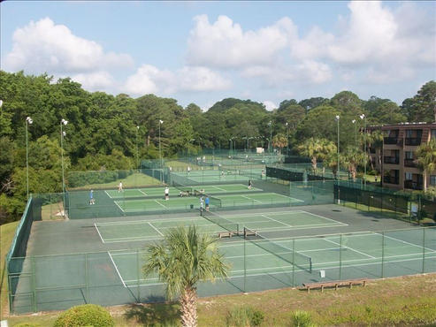 8 Lighted Tennis Courts