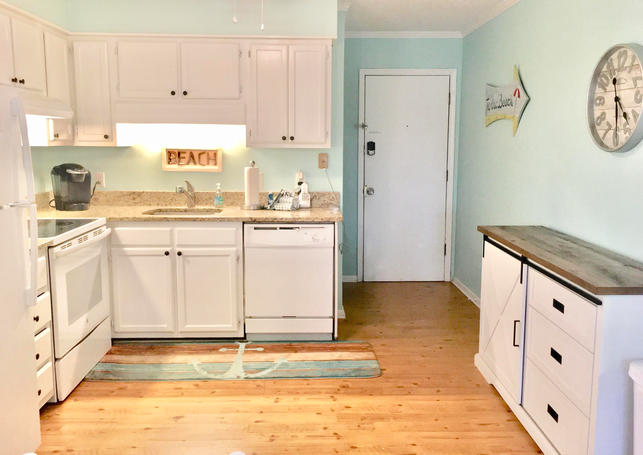 Full Kitchen in Vacation Rental