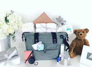 Hospital Bag Essentials: For Mama