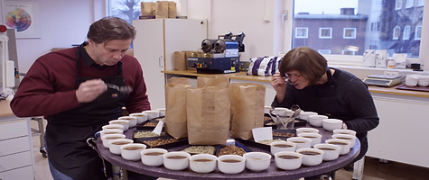 Hos Løfbergs prøvesmakes over 300 kopper kaffe hver dag
