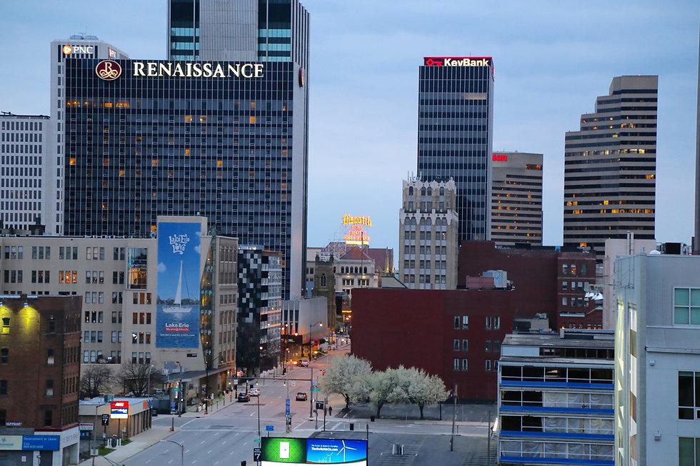 Downtown_Columbus_Skyline_April_2016-uai