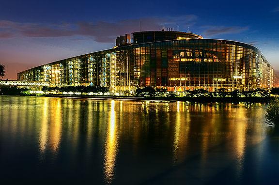european-parliament-2224221.jpg