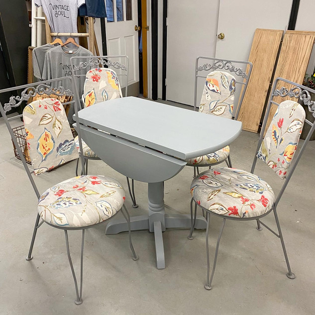 Custom Table & Chairs Makeover