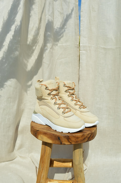 Hogan active one cream boots