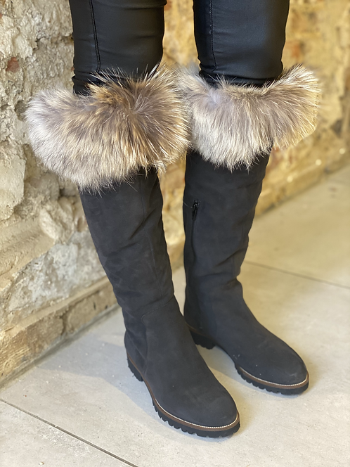 Anthracite boots furr