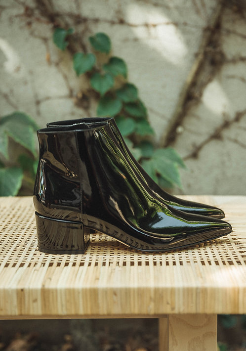 Sergio Rossi ankle boots lacquer black