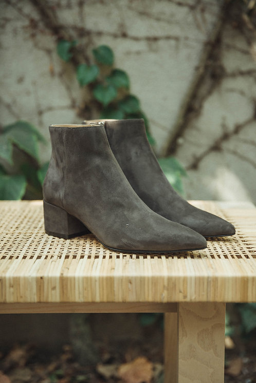 Sergio Rossi ankle boots suede grey