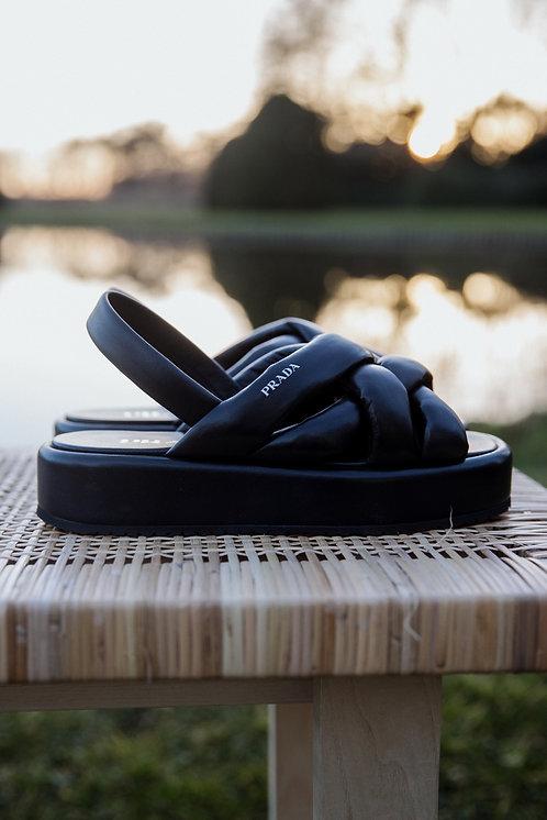 Prada zwart lederen sandalen