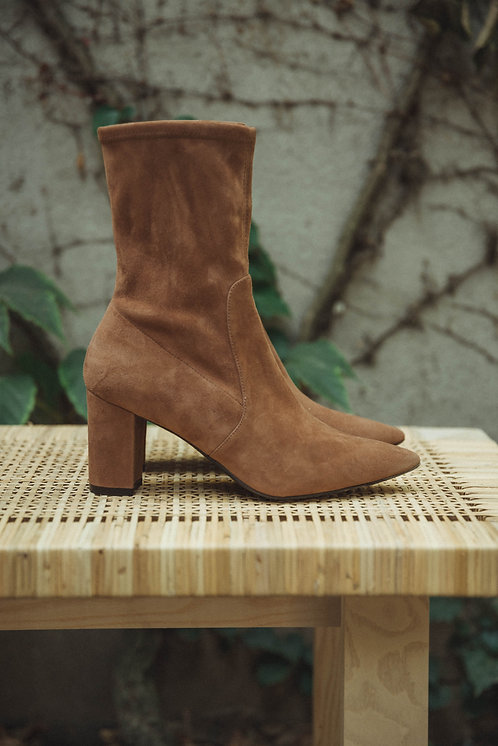 Stuart Weitzman ankle boots suede camel
