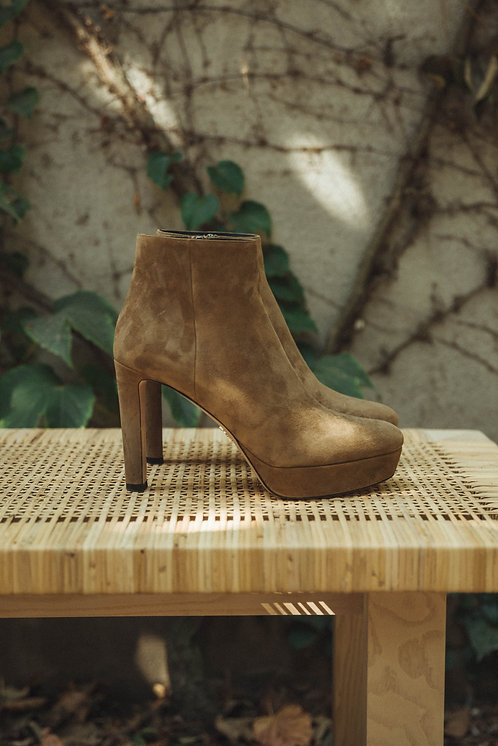 Prada ankle boots suede camel