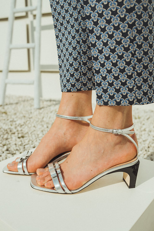 Sr1 sandals silver leather