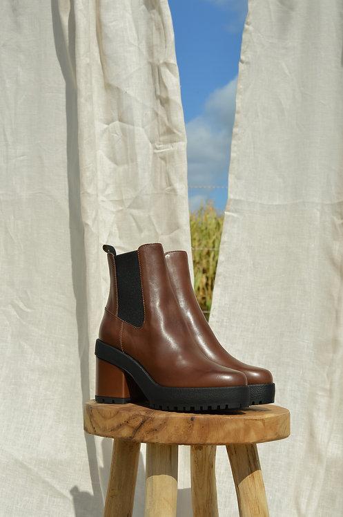 Hogan brown boots
