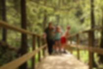 Gruppe auf dem Naturpfad