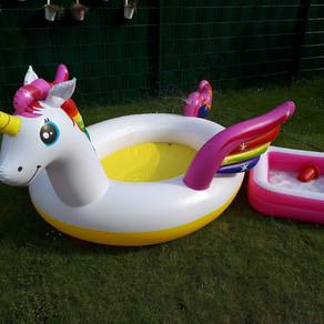 Pools, Ponys und Pyjamas