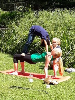 Ouder & kind Santosha Yoga