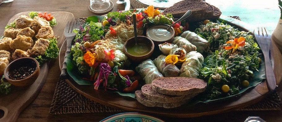 Vegan lunch platter