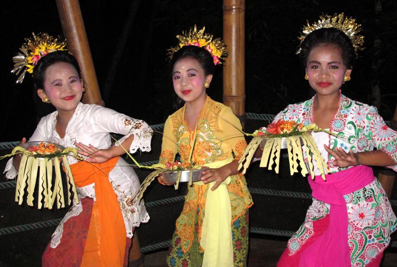 dancers x 3