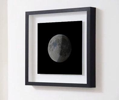 Impression encadrée de qualité supérieure. La lune