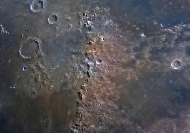 Montes Apenninus close up image