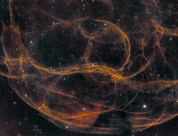 Welcome to the Nebula gallery. The spaghetti nebula, Simeis 147 in narrow band.