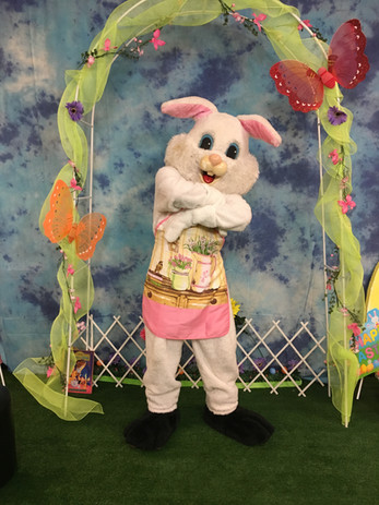 Easter bunny booth 2.jpg