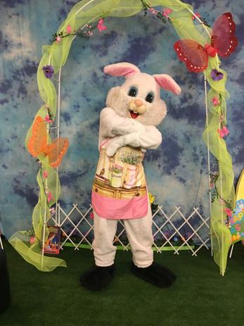 Easter bunny booth 2.jpg