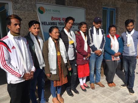 LONGREAD MED FOLKENE BAG ET NYT UNGDOMSKOOPERATIV I HELAMBU, NEPAL