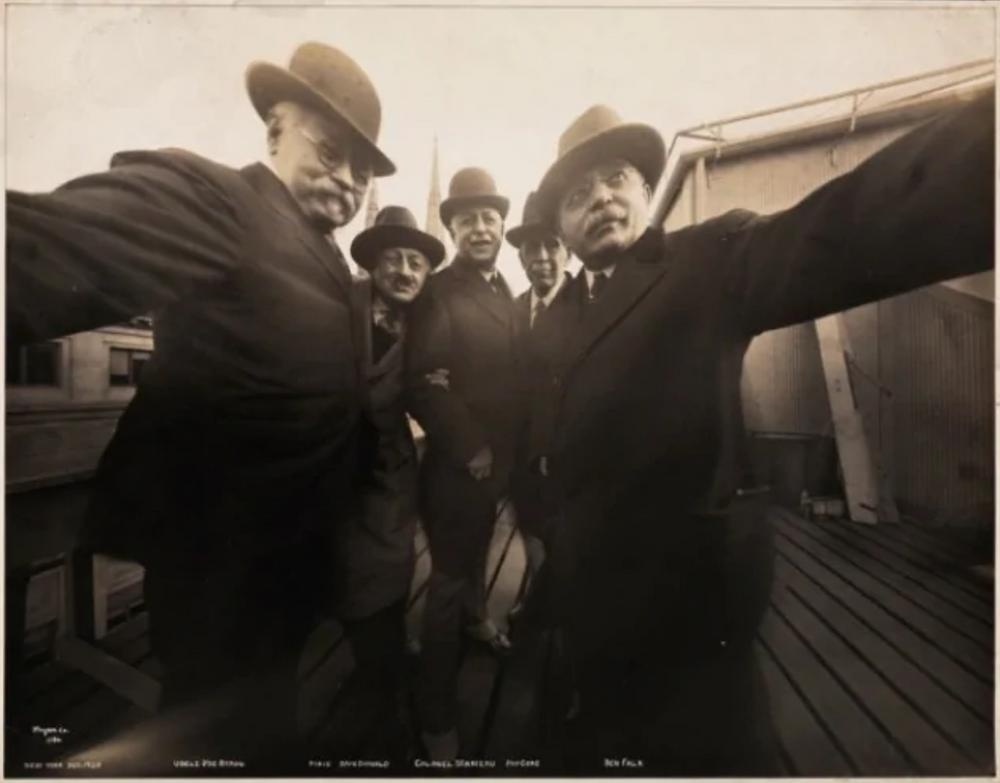 primo selfie storia