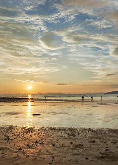 Thailnad_Beach_Sunset.jpg