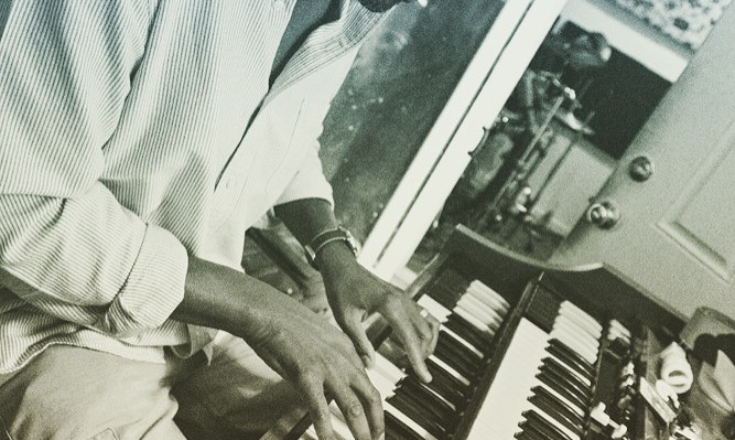 Chip on the Hammond B3