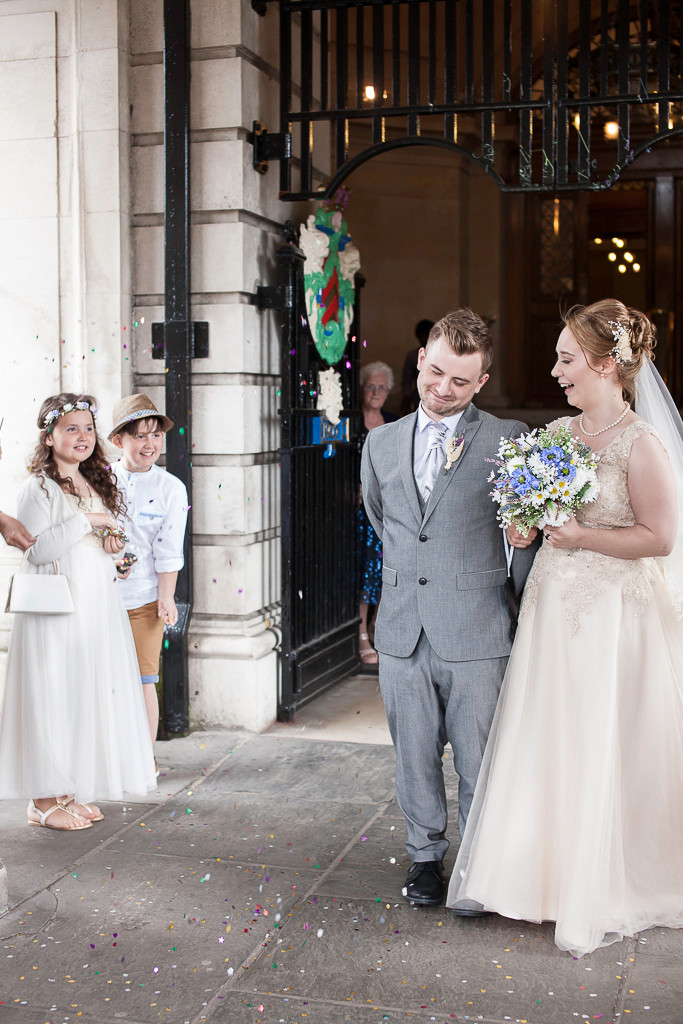 Rhi and Andrew's Cardiff City Hall wedding | Photography by Taz Rahman
