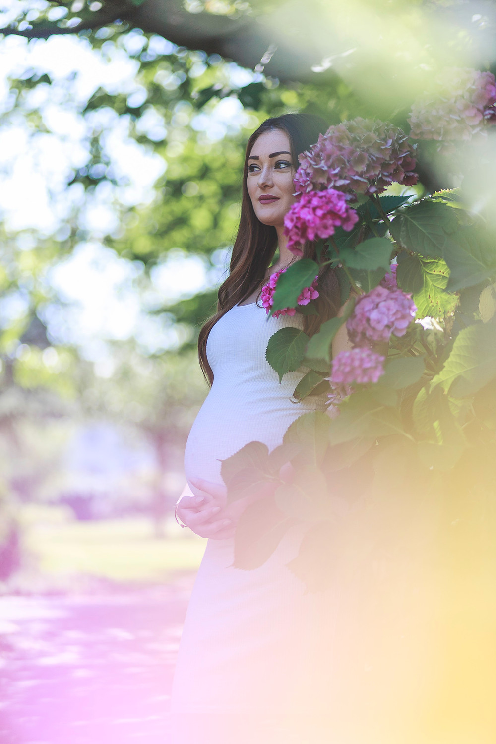 Belinda's bump photoshoot in South Wales, Cardiff maternity photography by photographer Taz Rahman