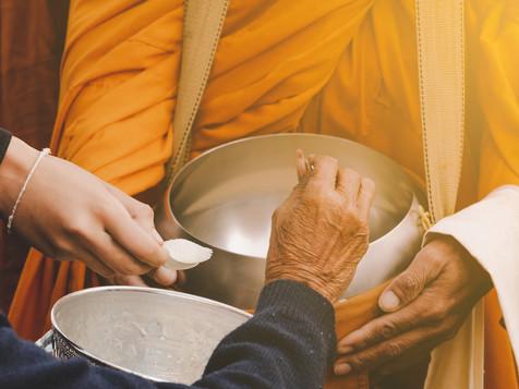 Thai Buddhist to do good things make mer