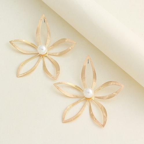 Vaana Flower Statement Earring