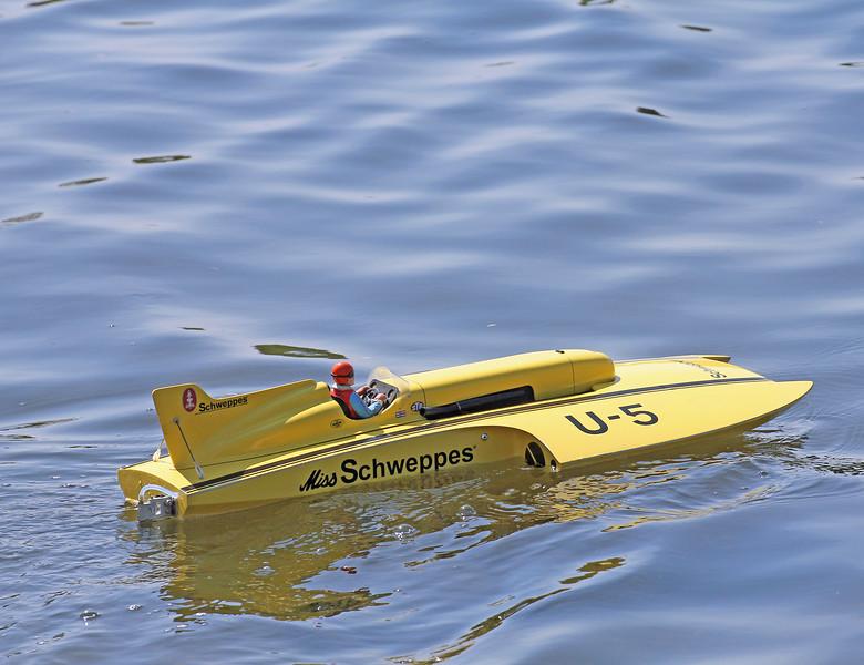 U-5 Miss Schweppes
