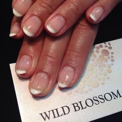 Mini short tip french! #wildblossomspa #wildblossom #wild #nails #nail #nailswag #nailart #nailglitt