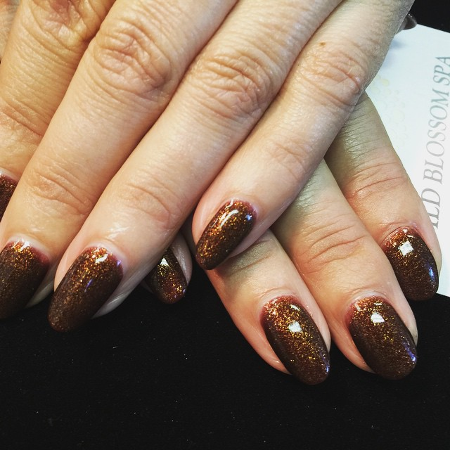 Glitter full moon! #BestClientsInTheWorld_#fullmoon #glitter #naturalnails_#nails #nailglitter #nail