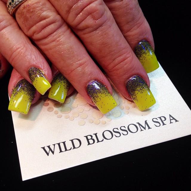 #wildblossomspa #wildblossom #wild #nails #nail #nailswag #nailart #nailglitter_#nudes