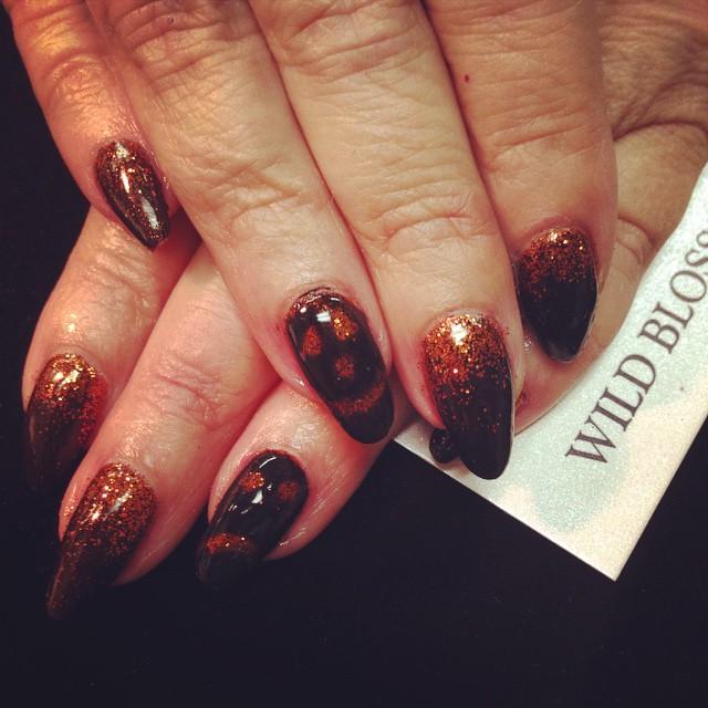 Happy Halloween! #wildblossomspa #wildblossom #wild #nails #nail #nailswag #nailart #nailglitter #ha