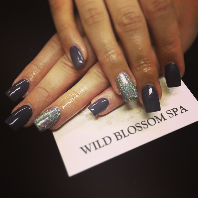 Christmas party ready! #nails #nailglitter #nailswag #wildblossomspa #wildblossom #glitter nice to m