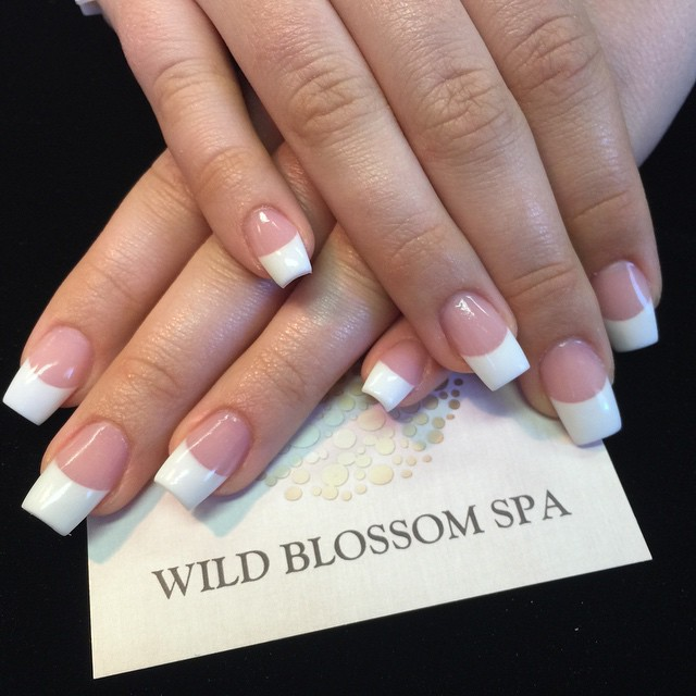 Love for the classic P&W _aimeestirling #BestClientsInTheWorld #french_#frenchmanicure #pinkandwhite