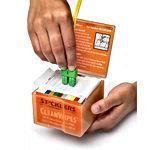 WCS640_CleanWipes-Box_dn-Use.-600x800.RG