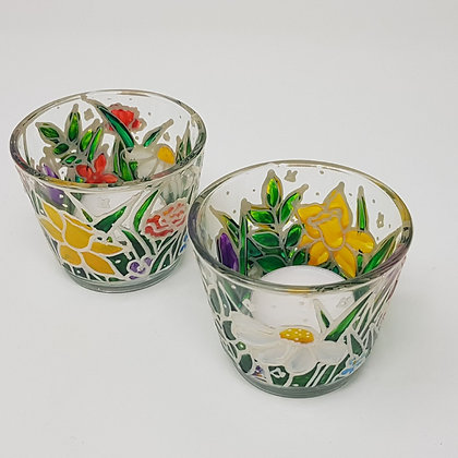 Round tealight holder: Floral