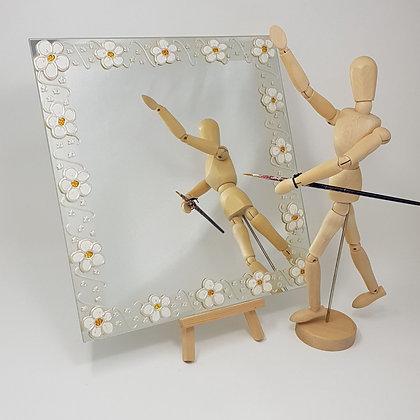Square mirror: Daisy