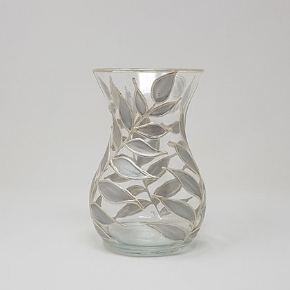 Curvy vase: Silver Leaves