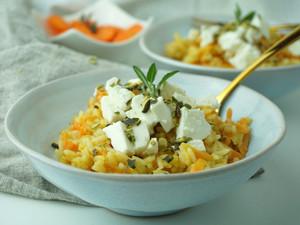 Karottenrisotto mit Schafskäse