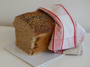Vollkorn-Joghurt-Brot