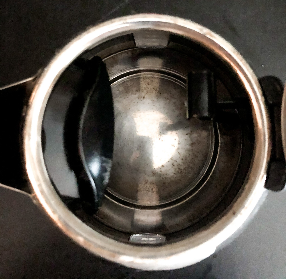 Kettle descaled with vinegar, natural cleaning solution, non-toxic home, natural cleaning hack